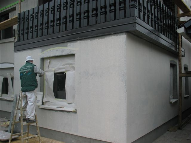 Lepljenje fasadne mrežice z lepilom Rofix Unistar Light
