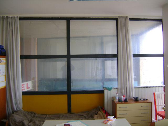 Potratna steklena stena
