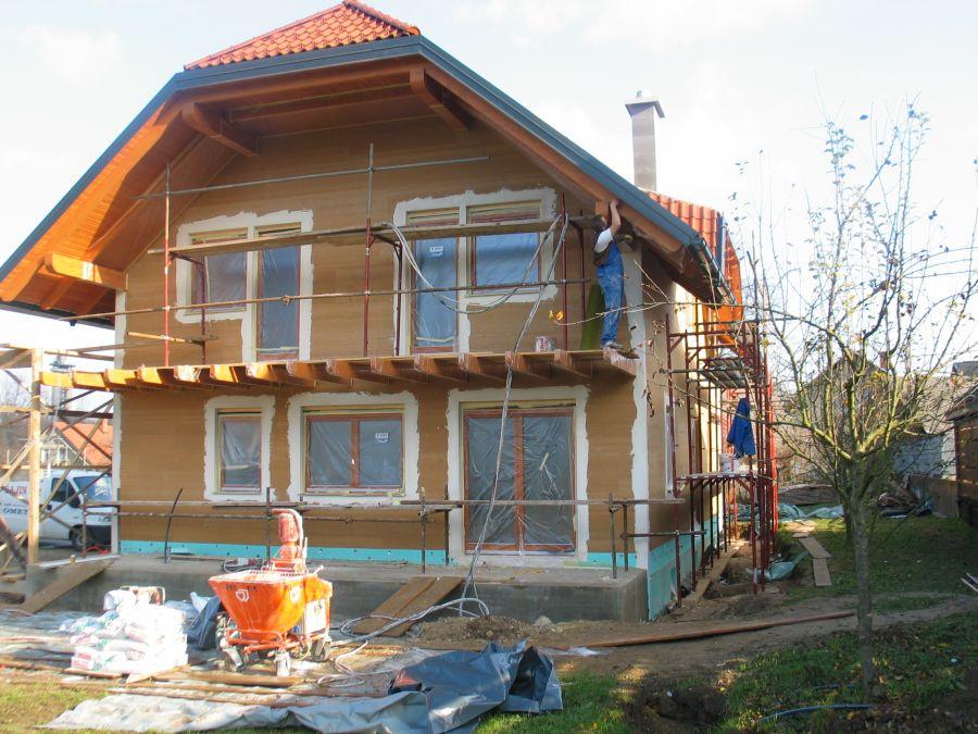 Izdelana toplotna izolacija fasade z Agepan THD ploščami in izdelava špalet (Marmorit)