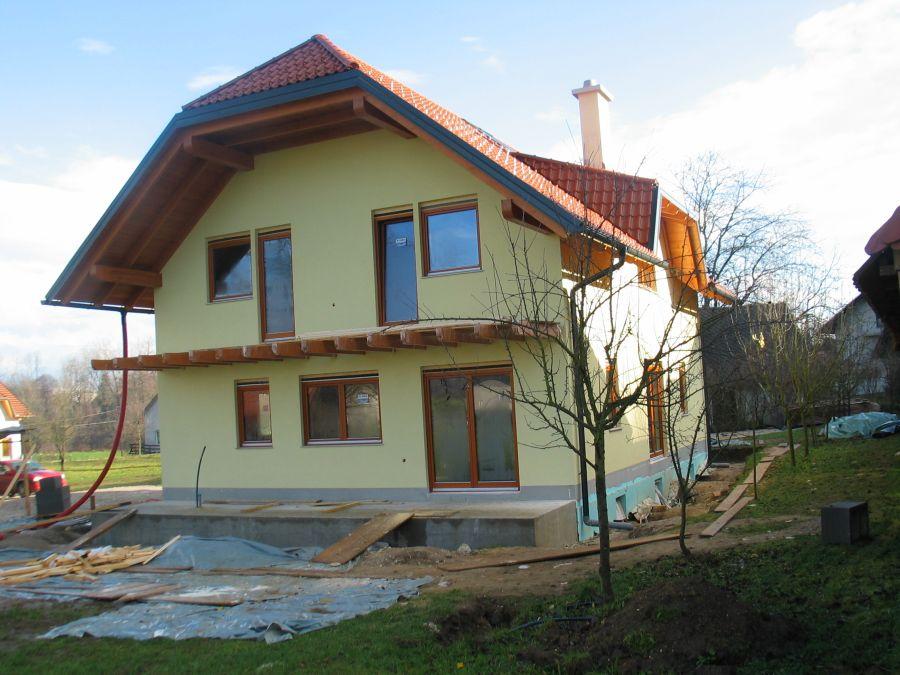 Končana fasada objekta z zaključnim slojem Marmorit Conni