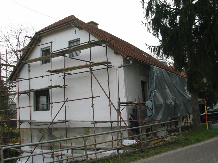 Izdelava toplotne izolacije fasade iz stiroporja (ekspandiran polistiren)