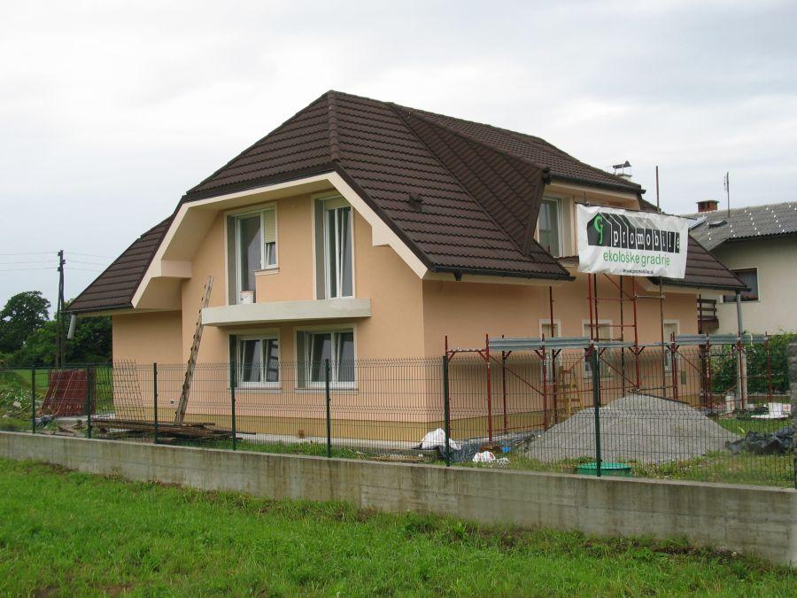 Končana fasada objekta - Rofix