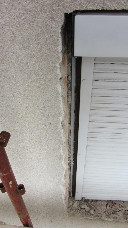 Odbijanje (štemanje) špalet kot priprava za lepljenje toplotne izolacije na špalete